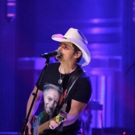 VIDEO: Country Music Superstar Brad Paisley Performs 'Contact High' on TONIGHT