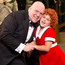 BWW Review: ANNIE at the Paramount Brings Old Broadway Classic Charm