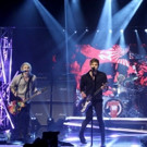 VIDEO: 5 Seconds of Summer Perform 'Hey Everybody!' on TONIGHT SHOW