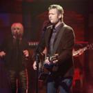 VIDEO: Blake Shelton Performs 'Sangria', Talks THE VOICE on 'Late Night'
