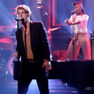 VIDEO: Tom Odell Performs 'Magnetised' on TONIGHT SHOW