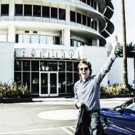 Paul McCartney Signs Worldwide Recording Agrement with Capitol Records