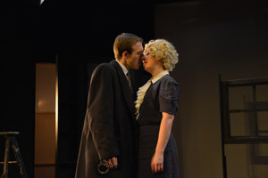BWW Review: THE 39 STEPS Climbs To Comedic Heights At Fells Point Corner Theatre