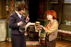 BWW Review: LETTICE AND LOVAGE, Menier Chocolate Factory