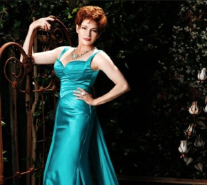 Emmy Nominee Carolyn Hennesy to Host Live Red Carpet Stream for DAYTIME EMMY AWARDS
