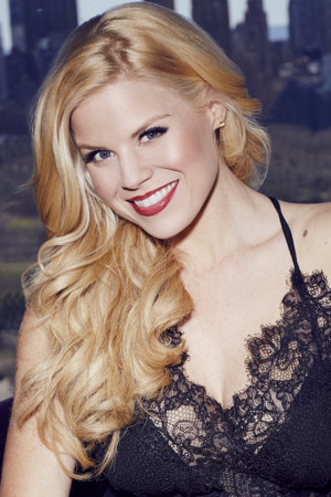 BWW Review:  Megan Hilty Spreads Christmas Cheer at Kennedy Center