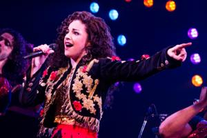 BWW Reviews: ON YOUR FEET! Musical Gloriously Dances Forward In World-Premiere Production