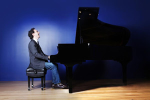 Pianist Shai Wosner Takes Over Sirius XM Symphony Hall Facebook Page