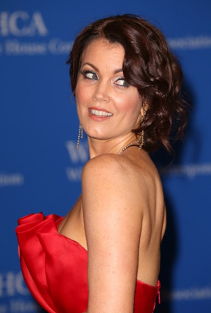 SCANDAL's Bellamy Young Set for COFFEE WITH GOLDSTAR Next Week