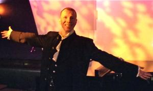 BWW Review: By Elegantly Examining Sexual Duality, David Vernon's Sensitive LOVE: THE CONCERT at the Metropolitan Room Is Singularly Enthralling