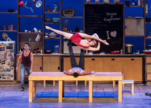 BWW Review: THE 7 FINGERS (LES 7 DOIGTS) Wins Hearts of Audiences with Cuisine & Confessions