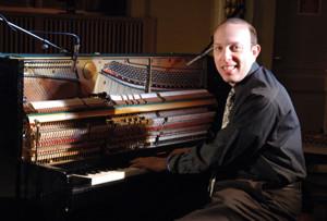 Lincoln Center Pianist Plays '20s Comedies at La Mirada Theatre