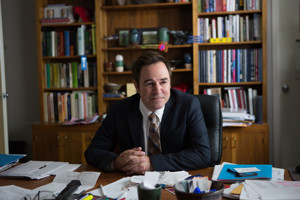 BWW Interview: Roger Bart Hopes SPEECH & DEBATE Full Of Broadway References Resonates With His Daughter
