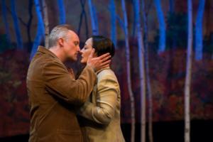 BWW Review: Upstream Theaters Wonderful DE KUS/THE KISS