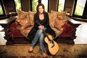 BWW Review: FirstWorks Presents Iconic ROSANNE CASH at The Vets