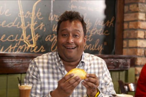 Food Blogger Ali Khan Set for New Cooking Channel Series CHEAP EATS