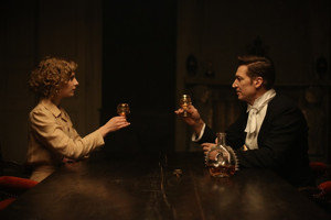 BWW Review: THERAPY FOR A VAMPIRE Is Homage To The Thirties