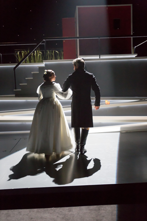 BWW Review: The Rep Romances Artful, Contemporary JANE EYRE