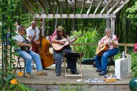 Lilyfest Celebrates Art, Music, and Gardening in the Hocking Hills