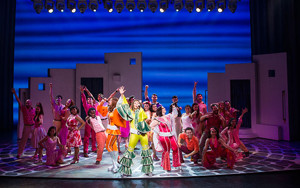 BWW Review: MAMMA MIA! Sizzles in Icy Syracuse's Crouse Hinds Theater