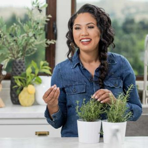 Food Network to Premiere New Season of AYESHA'S HOME KITCHEN, 4/30