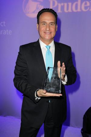 Noticias Telemundo Anchor Jose Diaz-Balart received the 2017 Latinovator Award