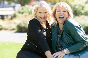 BWW Review: Kim Grogg & Kim Sutton Celebrate Women Power and the Joys of Friendship In Charming Holiday Duo Show at Don't Tell Mama