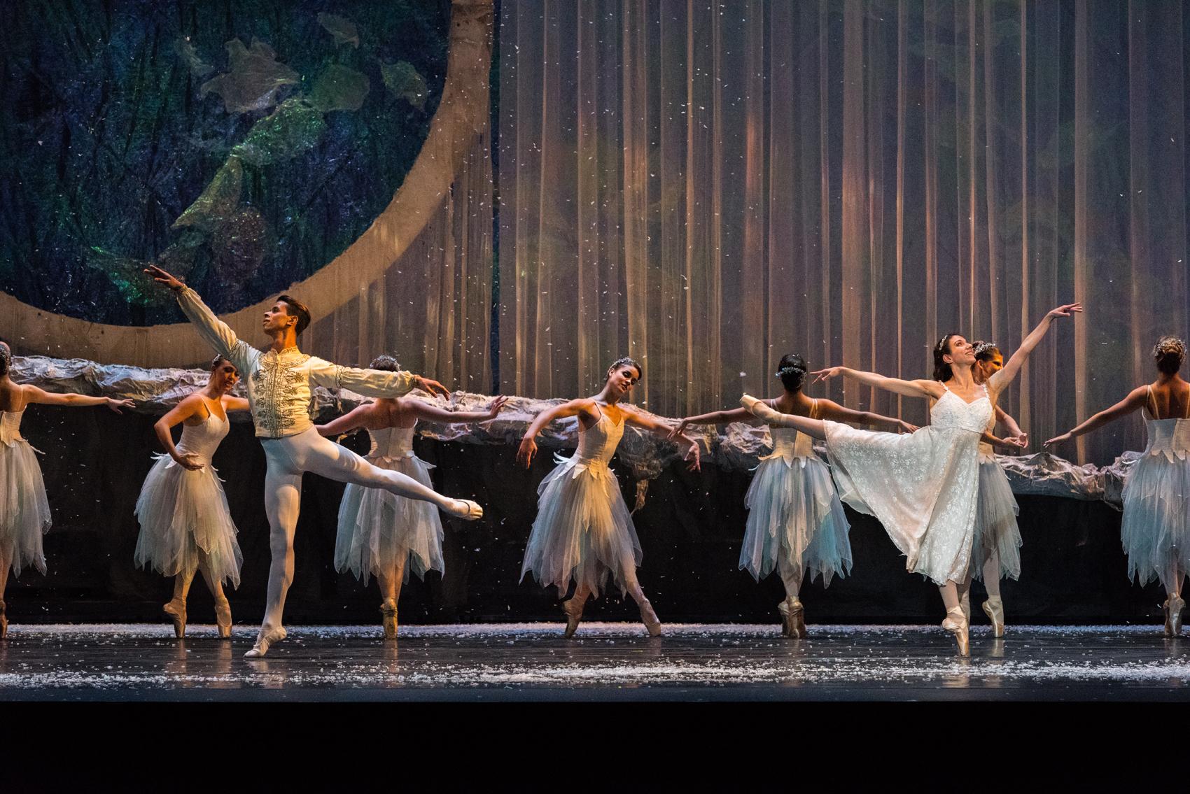 Galmont Ballet The American Nutcracker a Frank