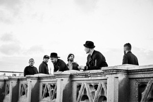 Linkin Park Release Official Video For New Single 'Heavy'