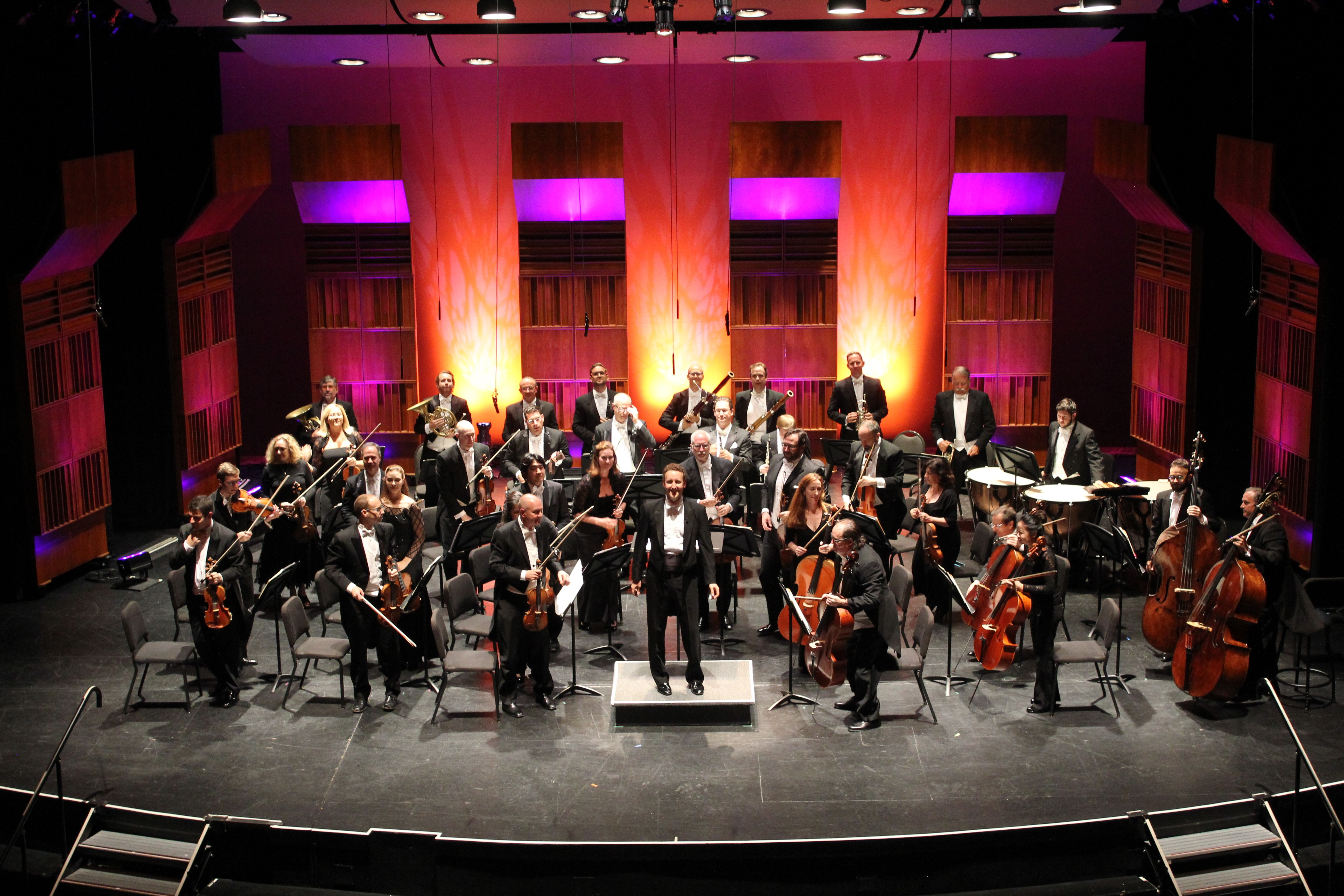 BWW Review: MAINLY MOZART FESTIVAL ORCHESTRA at The Balboa Theatre