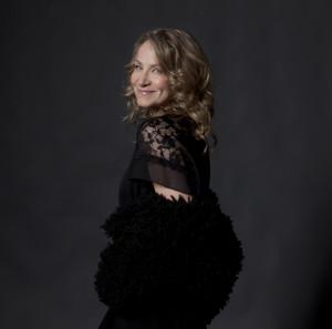 Joan Osborne to Sing Bob Dylan in Cafe Carlyle Return