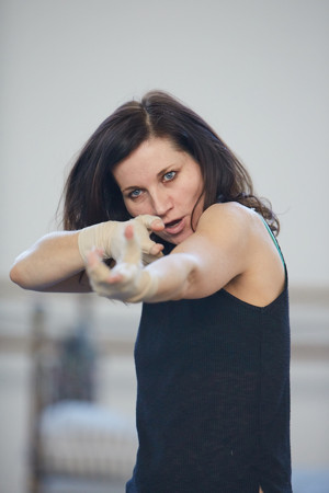 BWW Interview: Actress Kate Fleetwood Talks UGLY LIES THE BONE