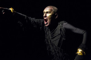 BWW Review: In UNDERNEATH, Pat Kinevane Will Inspire You to Just Go Out and LIVE Your Life Without Fear