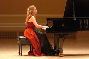 Pianist Katya Grineva to Make 15th Solo Appearance at Carnegie Hall for Holiday Concert, 12/26