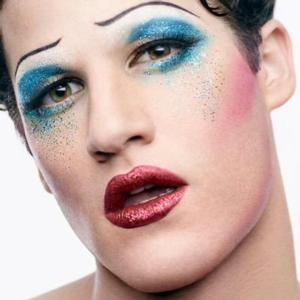 UPDATE: More BWW Readers Weigh In On Darren Criss' Apology for Recent Caitlyn Jenner Comment