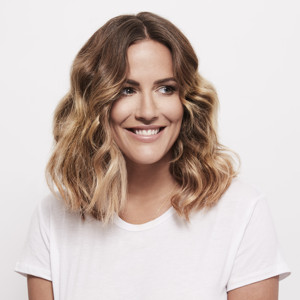 Caroline Flack to Make Her Stage Debut in CRAZY FOR YOU Alongside Tom Chambers
