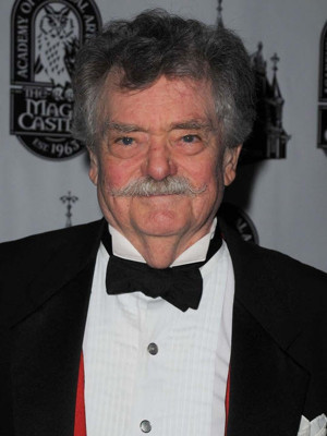 Bernard Fox, Film and TV Star of BEWITCHED, TITANIC, THE MUMMY and More, Passes Away