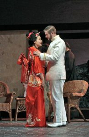 BWW Review:  A Beautiful 'BUTTERFLY' Alights in St. Louis