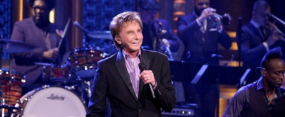 VIDEO: Barry Manilow Performs New Music, Classic Favorites on TONIGHT SHOW!