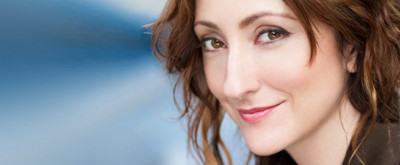BWW Review: Carmen Cusack Returns to Feinstein's/54 Below with a New Show Demonstrating Her Songwriting Prowess