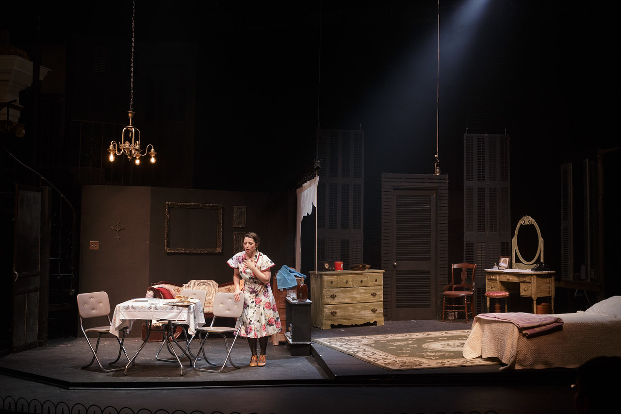 the creation of dramatic tensions in a streetcar named desire English language and literature (emc) a williams, a streetcar named desire a level, paper to analyse the use and impact of dramatic and stylistic.