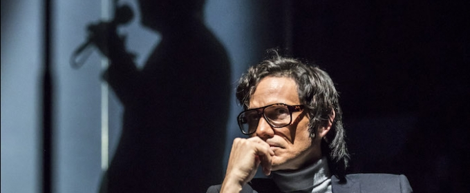 BWW Review: THE KID STAYS IN THE PICTURE, Royal Court