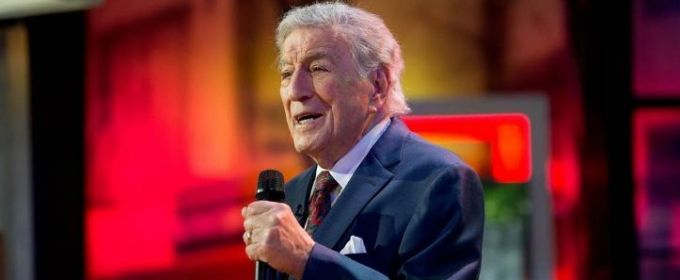 video tony bennett performs holiday classic ill be home for christmas