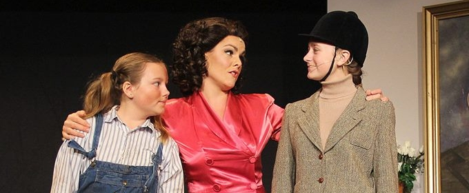 BWW Previews: GREY GARDENS at Old Opera House