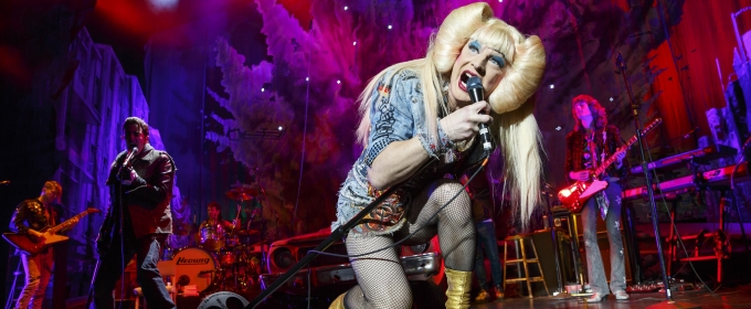BWW Review: Hedwig Rocks to the Strum of Her Guitar in HEDWIG AND THE ANGRY INCH