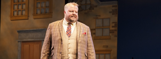 BWW Reviews: ONE MAN, TWO GUVNORS - Five Stars! Laurels for Ron May!