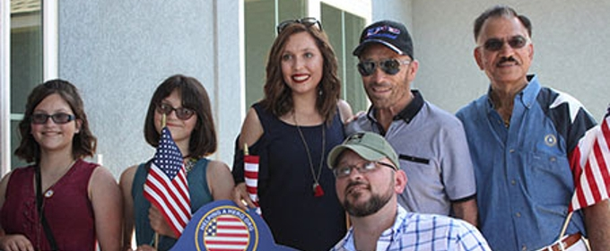 Country Icon Lee Greenwood is Special Guest at 'Helping a Hero' Event