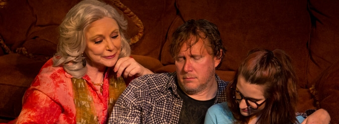BWW Review: Strong Cast Inhabits THE COUNTRY HOUSE at Circuit Playhouse