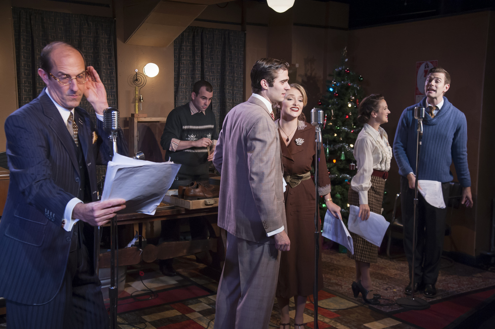 BWW Review: IT'S A WONDERFUL LIFE at Mile Square Theatre