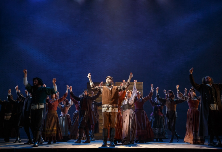 Review Roundup L Chaim Danny Burstein Leads Fiddler On
